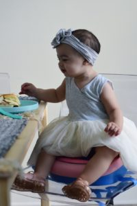 Oh Lola Blog. Mommy and me fashion and lifestyle blog. Skip Hop ZOO Booster Chair!